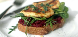 beetroot haloumi sandwich